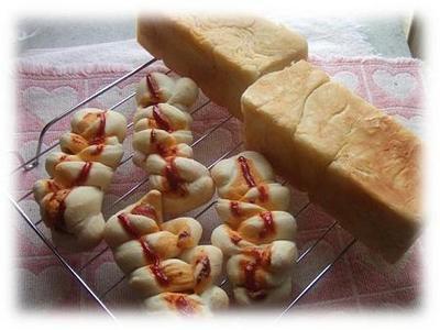 デニッシュ風とソーセージパン